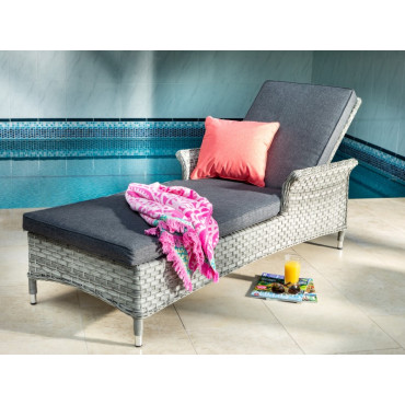 Heritage Lounger In Ash With Slate Cushions